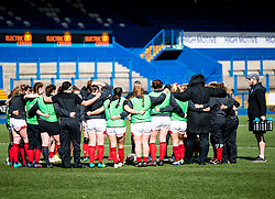 Wales Women huddle during the pre match warm up<br /> <br /> Photographer Simon King/Replay Images<br /> <br /> Six Nations Round 5 - Wales Women v Ireland Women- Sunday 17th March 2019 - Cardiff Arms Park - Cardiff<br /> <br /> World Copyright © Replay Images . All rights reserved. info@replayimages.co.uk - http://replayimages.co.uk