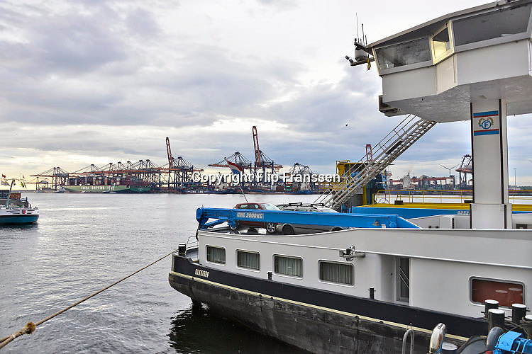 Nederland, the Netherlands, Rotterdam, 12-5-2017Containeroverslag in de rotterdamse haven op de 2e maasvlakte.Foto: Flip Franssen