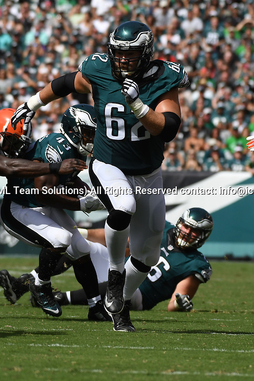 September 11, 2016: Philadelphia Eagles Center Jason Kelce (62) [16256] lead blocks during a National  Football League game between the Cleveland Browns and the Philadelphia Eagles at Lincoln Financial Field in Philadelphia, PA. (Photo by Andy Lewis/Icon Sportswire)