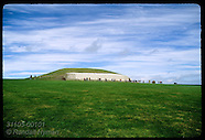 01: BOYNE VALLEY NEWGRANGE TOMB