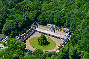 Nederland, Gelderland, Amersfoort, 13-05-2019; Nederland, Gelderland, Apeldoorn, 13-05-2019; Nationaal Museum Paleis Het Loo. Stallenplein met stallen, koetshuizen en garages.<br /> Het Versaille van Nederland staat op de Unesco werelderfgoedlijst. <br /> National Museum Palace Het Loo. The former summer palace has a formal garden and castle gardens in classical style. The Versailles of the Netherlands figures on the UNESCO World Heritage List.<br /> <br /> aerial photo (additional fee required); luchtfoto (toeslag op standard tarieven); copyright foto/photo Siebe Swart