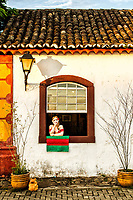 Detalhe de fachada de casa colonial em Santo Antonio de Lisboa. Florianópolis, Santa Catarina, Brasil. / Detail of a colonial architecture house facade in Santo Antonio de Lisboa. Florianopolis, Santa Catarina, Brazil.