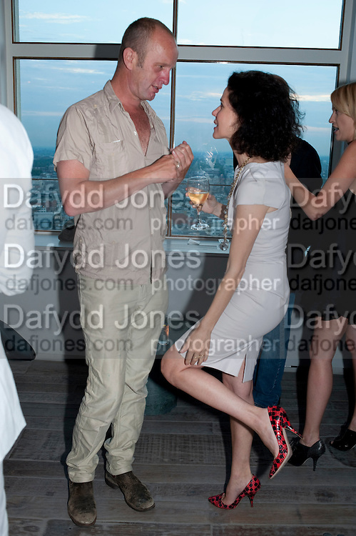 JOHNNY SHAND-KYDD; MOLLIE DENT-BROCKLEHURST; , Dinner hosted by Julia Peyton-Jones and Hans Obrist for the Council of the Serpentine to celebrate: Jeff Koons, Popeye Series. Paramount Club, Paramount Centre Point. London. 30 June 2009