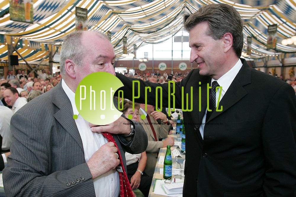 Mannheim. Maimarkt 2007. Er&ouml;ffnung mit Ministerpr&auml;sident G&uuml;nther H. Oettinger.<br /> Rundgang des Ministers mt em OB Gerhard Widder.<br /> <br /> Bild: Markus Pro&szlig;witz<br /> ++++ Archivbilder und weitere Motive finden Sie auch in unserem OnlineArchiv. www.masterpress.org ++++