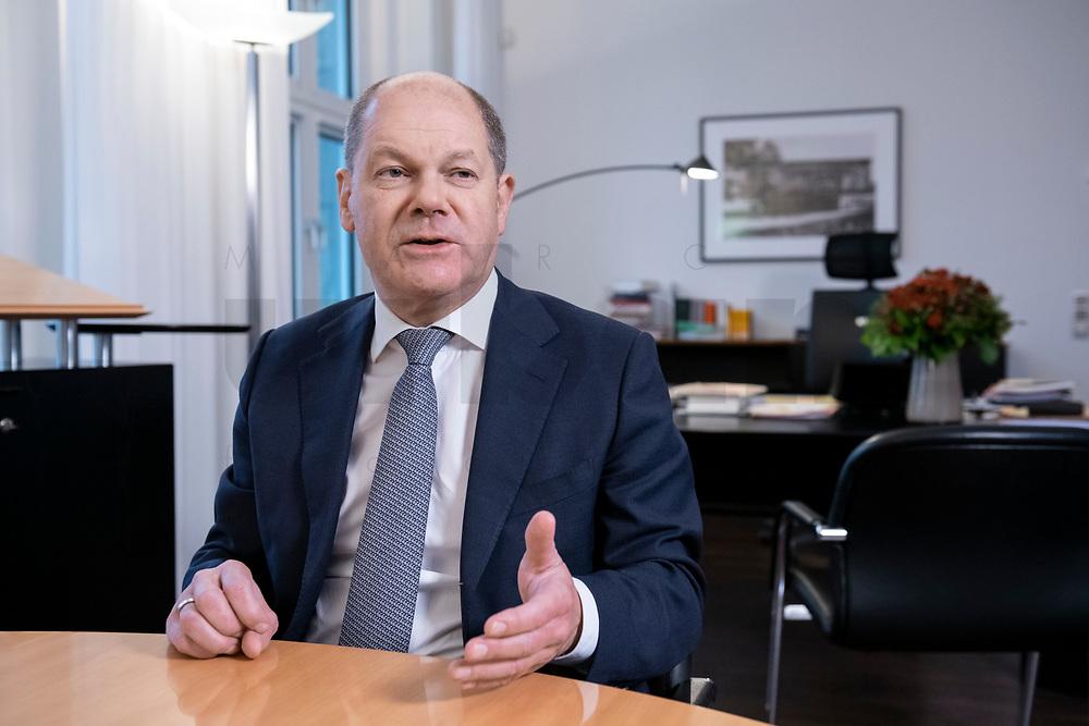 21 NOV 2018, BERLIN/GERMANY:<br /> Olaf Scholz, SPD, Bundesfinanzminister, waehrend einem Interview, in seinem Buero, Bundesministerium der Finanzen<br /> IMAGE: 20181121-01-017<br /> KEYWORDS: Büro