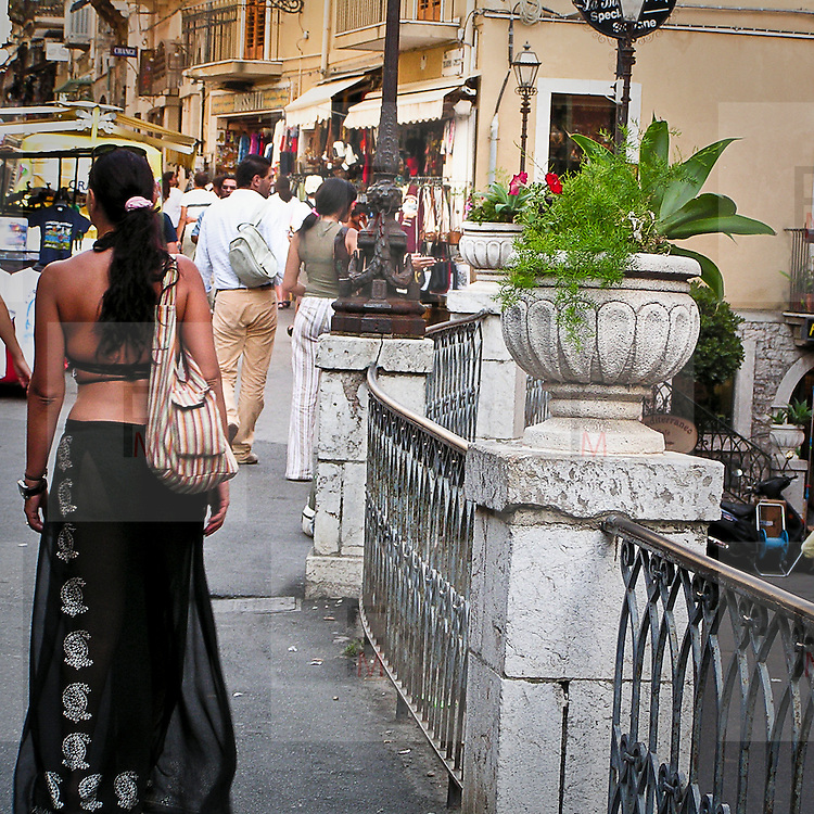 Turisti a Taormina..Tourists in Taormina