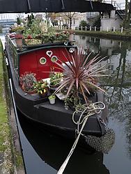 UK ENGLAND LONDON 27NOV13 - Small barge on the Grand Union Canal near Westbourne Park, west London.<br /> <br />  <br /> <br /> jre/Photo by Jiri Rezac<br /> <br /> <br /> <br /> © Jiri Rezac 2013