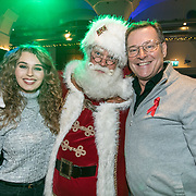 NLD/Amsterdam/20191206 - Sky Radio's Christmas Tree For Charity 2019, Tessa Sunniva van Tol en Albert Verlinde met de kerstman