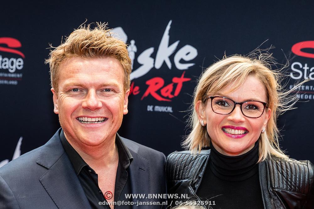 NLD/Amsterdam/20161120 - premiere Ciske de Rat de Musical, Bastiaan Ragas met partner Tooske Breugem