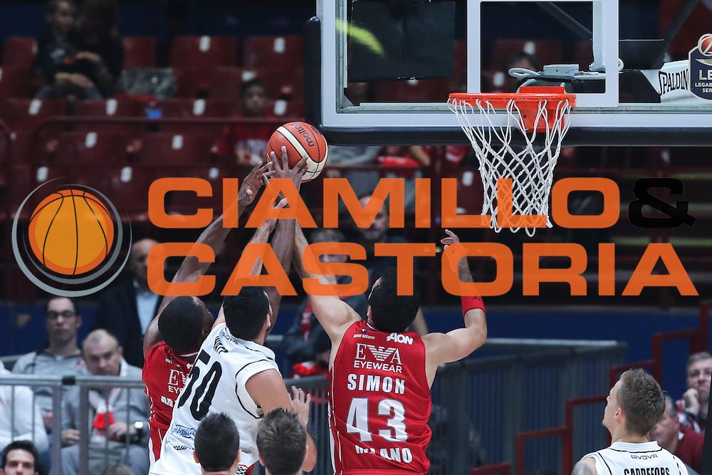 rimbalzo attacco Milano, EA7 Olimpia Milano vs Pasta Reggio Caserta - Lega Basket Serie A 2016/2017 - Mediolanum Forum Milano 30 ottobre 2016 - foto Ciamillo-Castoria