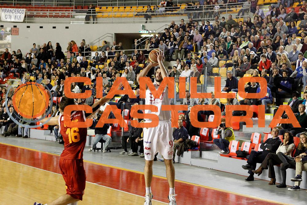 DESCRIZIONE : Roma Lega A 2011-12 Acea Roma  EA7 Emporio Armani Milano GIOCATORE : Antonis Fotsis SQUADRA : EA7 Emporio Armani Milano DATA : 2012-04-26CATEGORIA : SPORT : Pallacanestro AUTORE : AGENZIA CIAMILLO & CASTORIA/G.Ciamillo