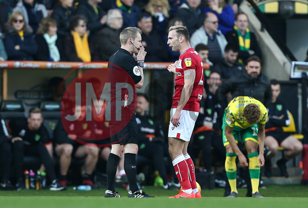 Andreas Weimann of Bristol City has words with the referee - Mandatory by-line: Arron Gent/JMP - 23/02/2019 - FOOTBALL - Carrow Road - Norwich, England - Norwich City v Bristol City - Sky Bet Championship