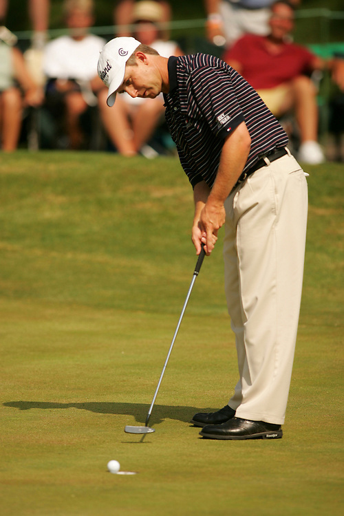 David Toms..2004 Fedex St. Jude Classic.TPC Southwind.Germantown, TN.Third Round.Saturday, May 29, 2004..photograph by Darren Carroll..