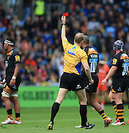 Wayne Barnes refereeing his 159th Premiership game changes a yellow to red card for foul play by Seremaia Bai of Leicester Tigers during the Aviva Premiership match at the Ricoh Arena, Coventry<br /> Picture by Michael Whitefoot/Focus Images Ltd 07969 898192<br /> 09/05/2015