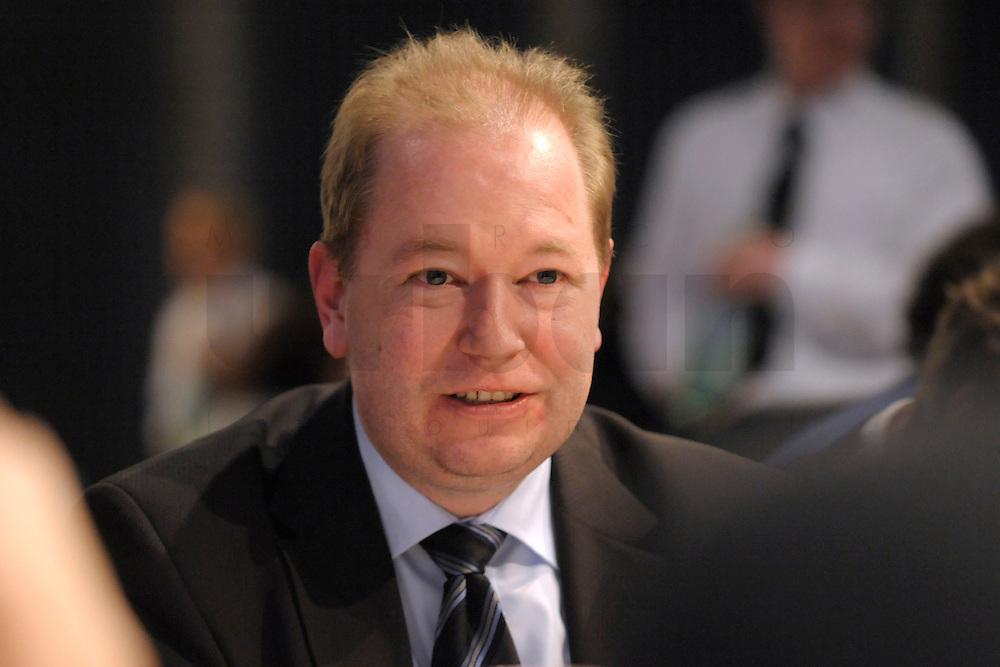 11 MAR 2008, BERLIN/GERMANY:<br /> Jan Mönikes, Rechtsanwalt, Kanzlei Schalast & Partner, Mittags-Agora, Globales Wirtschafts- und Ethikforum, GWEF, E-Werk<br /> IMAGE: 20080311-02-045<br /> KEYWORDS: Jan Moenikes