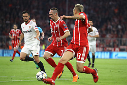 11.04.2018, Allianz Arena, Muenchen, GER, UEFA CL, FC Bayern Muenchen vs Sevilla FC, Viertelfinale, R&uuml;ckspiel, im Bild Jesus Navas, Franck Ribery, Rafinho // during the UEFA Champions League Quarterfinal, 2nd leg Match between FC Bayern Muenchen vs Sevilla FC at the Allianz Arena in Muenchen, Germany on 2018/04/11. EXPA Pictures &copy; 2018, PhotoCredit: EXPA/ SM<br /> <br /> *****ATTENTION - OUT of GER*****