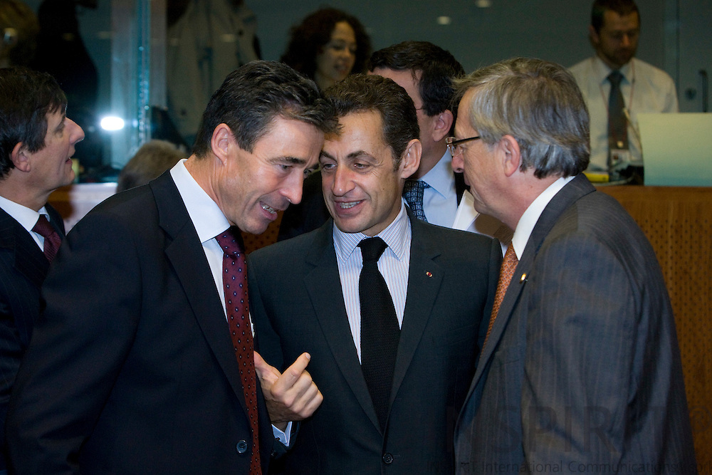 BRUSSELS - BELGIUM - 16 OCTOBER 2008 -- European Council, EU-summit under French Presidency; From left the Danish Prime Minister Anders Fogh RASMUSSEN, Nicolas SARKOZY, the French Precident and  Prime Minister Jean-Claude JUNCKER from Luxembourg.  Photo: Erik Luntang.
