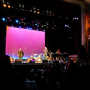 Marc Cohn bows at The Music Hall, Portsmouth, NH. Shane Fontayne (L), Drummer (?), and Jon Ossman, Bass