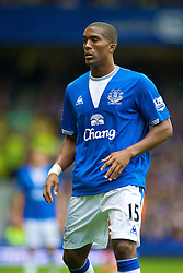 LIVERPOOL, ENGLAND - Sunday, August 30, 2009: Everton's Sylvain Distin in action against Wigan Athletic during the Premiership match at Goodison Park. (Photo by David Rawcliffe/Propaganda)