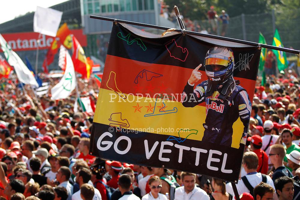 "Motorsports / Formula 1: World Championship 2010, GP of Italy,  fans, ""Go Vettel"""