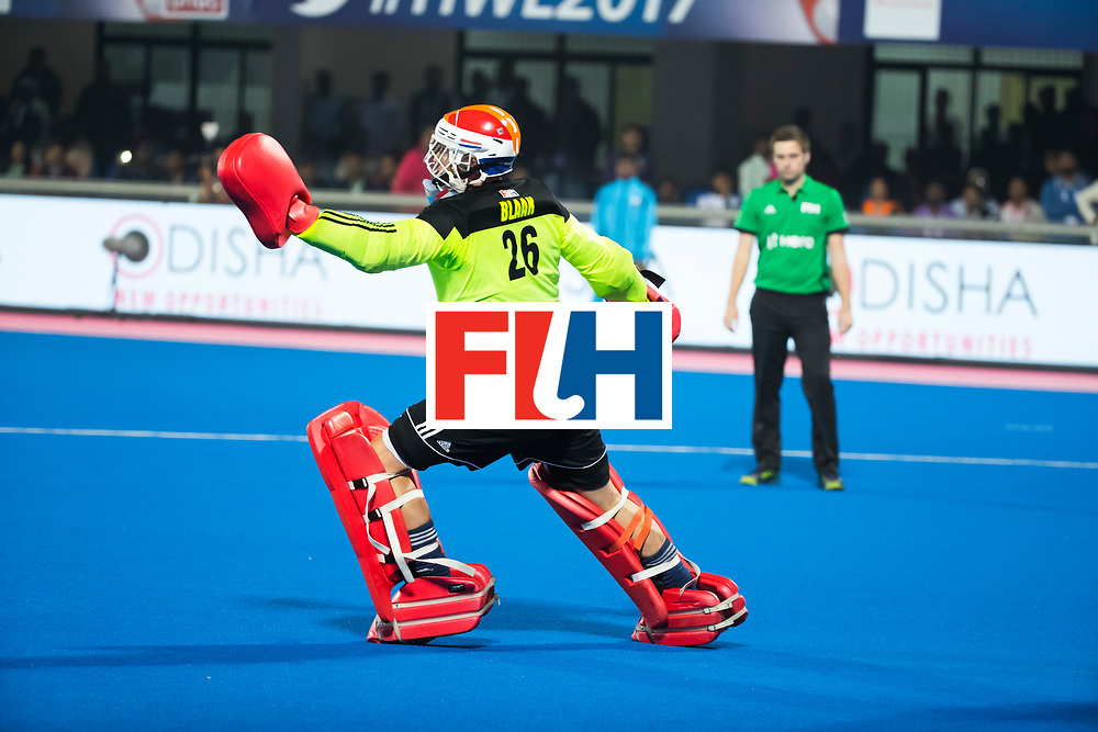 BHUBANESWAR - keeper Pirmin Blaak (Ned) bij de shoot-outs,  tijdens de Hockey World League Finals , de kwartfinale wedstrijd Duitsland-Nederland (3-3).Duitsland wint na shoot-outs.    COPYRIGHT KOEN SUYK