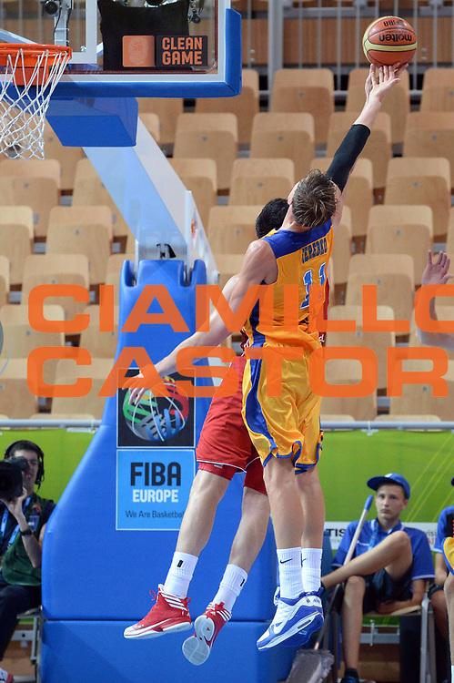 DESCRIZIONE : Capodistria Koper Slovenia Eurobasket Men 2013 Preliminary Round Turchia Svezia Turkey Sweden<br /> GIOCATORE : Jonas Jerebko<br /> CATEGORIA : Rimbalzo Controcampo<br /> SQUADRA : Svezia Sweden<br /> EVENTO : Eurobasket Men 2013<br /> GARA : Turchia Svezia Turkey Sweden<br /> DATA : 08/09/2013<br /> SPORT : Pallacanestro&nbsp;<br /> AUTORE : Agenzia Ciamillo-Castoria/Max.Ceretti<br /> Galleria : Eurobasket Men 2013 <br /> Fotonotizia : Capodistria Koper Slovenia Eurobasket Men 2013 Preliminary Round Turchia Svezia Turkey Sweden<br /> Predefinita :