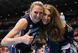 20-05-2016 JAP: OKT Italie - Nederland, Tokio<br /> De Nederlandse volleybalsters hebben een klinkende 3-0 overwinning geboekt op Italië, dat bij het OKT in Japan nog ongeslagen was. Het met veel zelfvertrouwen spelende Oranje zegevierde met 25-21, 25-21 en 25-14 / Quinta Steenbergen #7, Robin de Kruijf #5