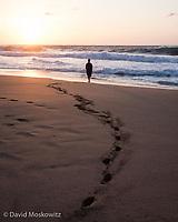 Sunset on a remote beach. Kauai, Napali Coast.