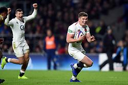 Owen Farrell of England scores a try in the second half - Mandatory byline: Patrick Khachfe/JMP - 07966 386802 - 24/11/2018 - RUGBY UNION - Twickenham Stadium - London, England - England v Australia - Quilter International
