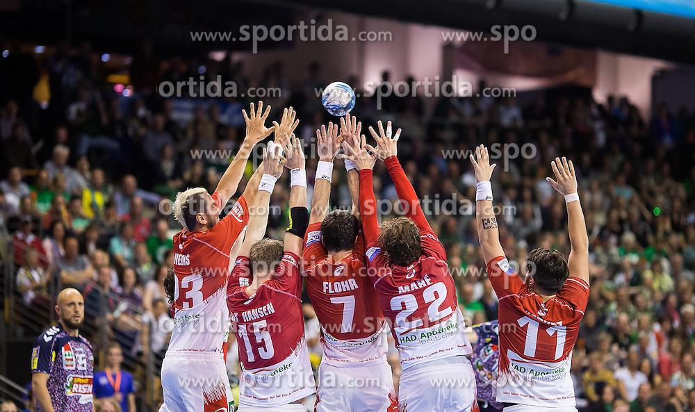 Berlin, Deutschland, 17.05.2015:<br />Handball EHF Pokal Finale 2014 / 2015 - Fuechse Berlin - HSV Hamburg - EHF CUP Finals 2014/15.<br /><br />Freifurf F&Atilde;&frac14;chse Mauer vom HSV: v.li. Pascal Hens (HSV #23), Henrik Toft Hansen (HSV #15), Matthias Flohr (HSV #7), Kentin Mahe (HSV #22), Kevin Herbst (HSV #11) *** Local Caption *** &Acirc;&copy; pixathlon