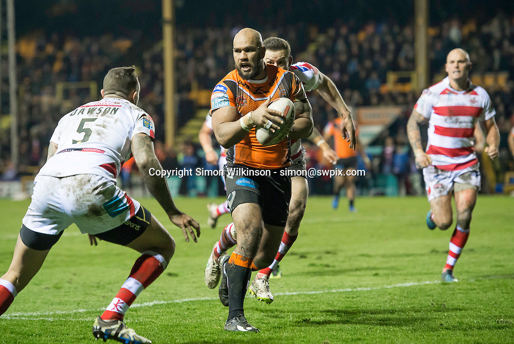 Picture by Allan McKenzie/SWpix.com - 10/02/2017 - Rugby League - Betfred Superleague  Super League - Castleford Tigers v Leigh Centurions - The Mend A Hose Jungle, Castleford, England - Castleford's Jake Webster runs with the ball against Leigh.