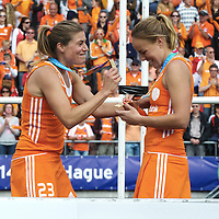 DEN HAAG - Rabobank Hockey World Cup<br /> 38 Final: Netherlands - Australia<br /> Netherlands world champion.<br /> Foto: Kim Lammers and Maartje Paumen.<br /> COPYRIGHT FRANK UIJLENBROEK FFU PRESS AGENCY
