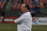 Football - Premier League - Chelsea Training for friendly with Man City St. Louis, MO/USA. Chelsea head coach Rafa Benitez watches the training session at Busch Stadium.