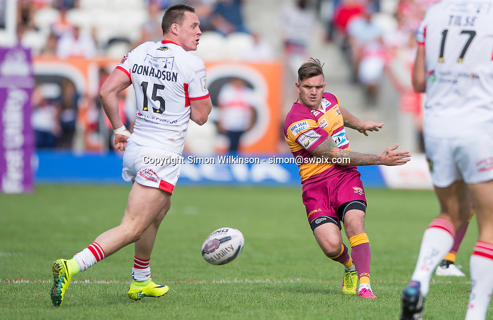 Picture by Allan McKenzie/SWpix.com - 24/09/2016 - Rugby League - First Utility Super League - The Qualifiers - Hull KR v Huddersfield Giants - KC Lightstream Stadium, Hull, England - Huddersfield's Danny Brough kicks through against Hull KR.