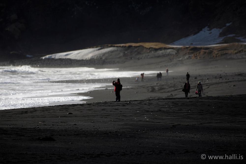 Black sand beach at Vik in Myrdalur, Iceland - svartur fjörusandur við Vík í Mýrdal