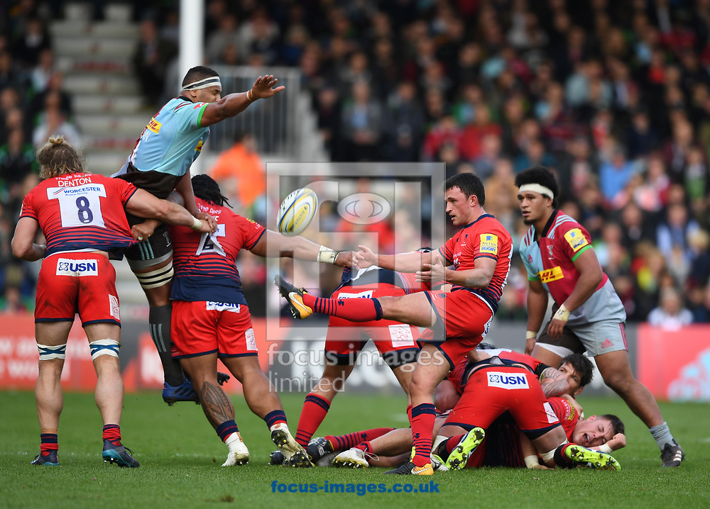 Jonny Arr of Worcester Warriors kicks from the base of a ruck during the Aviva Premiership match at Twickenham Stoop , London<br /> Picture by Simon Dael/Focus Images Ltd 07866 555979<br /> 28/10/2017