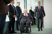 DEU, Deutschland, Germany, Berlin, 06.09.2017: Bundesfinanzminister Dr. Wolfgang Schäuble und Bundesinnenminister Dr. Thomas de Maiziere (CDU) vor Beginn der 161. Kabinettsitzung im Bundeskanzleramt.