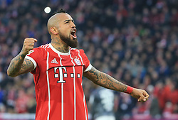 20171118, 1.BL, FC Bayern vs FC Augsburg, Allianz Arena, Muenchen, Fussball,  Sport, im Bild:...TorschŸtze Arturo Vidal (FCB) jubelt..*Copyright by:  Philippe Ruiz..Postbank Muenchen.IBAN: DE91 7001 0080 0622 5428 08..Oberbrunner Strasse 2.81475 MŸnchen, .Tel: 089 745 82 22, .Mobil: 0177 29 39 408..( MAIL:  philippe_ruiz@gmx.de ) ..Homepage: www.sportpressefoto-ruiz.de. (Credit Image: © Philippe Ruiz/Xinhua via ZUMA Wire)
