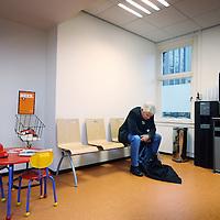 Nederland, Amsterdam , 28 september 2010..Een kijkje op de afdeling acute psychiatrie, crisishulpverlening van de Valeriuskliniek..De wachtkamer.Waiting room of the psychiatric hospital Valeriuskliniek in Amsterdam.