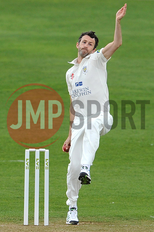 Durham's Graham Onions - Photo mandatory by-line: Harry Trump/JMP - Mobile: 07966 386802 - 12/04/15 - SPORT - CRICKET - LVCC County Championship - Day 1 - Somerset v Durham - The County Ground, Taunton, England.