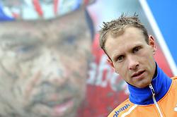 07-01-2007 WIELRENNEN: NK VELDRIJDEN MANNEN: WOERDEN<br /> Gerben de Knegt pakt de bronze medaille op het NK<br /> ©2007-WWW.FOTOHOOGENDOORN.NL