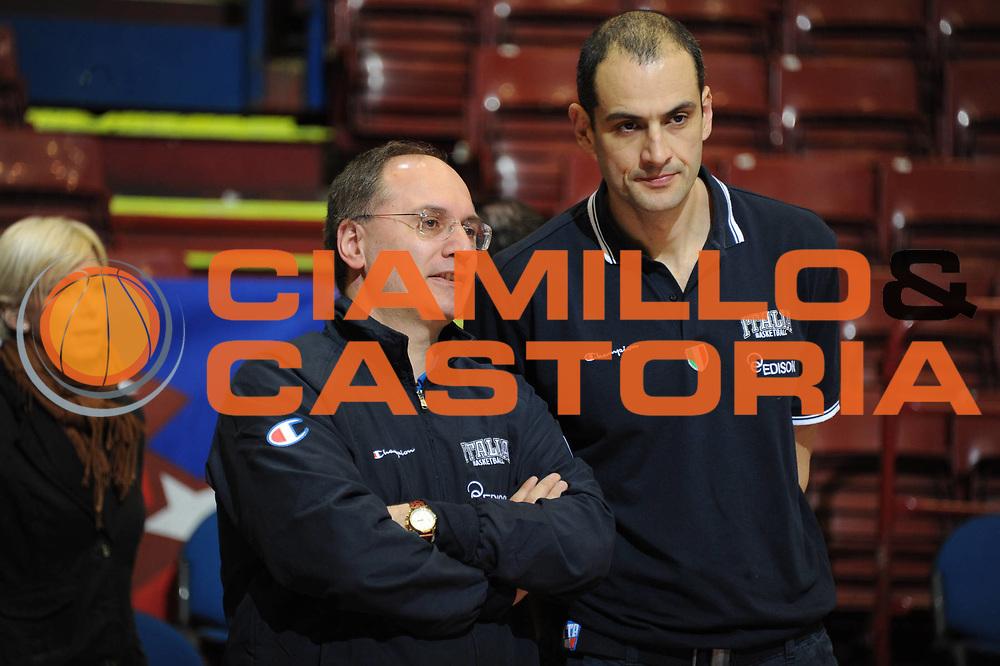 DESCRIZIONE : Milano Agos Ducato All Star Game 2011<br /> GIOCATORE : Staff Nazionale Italia<br /> SQUADRA : Italia Nazionale Maschile<br /> EVENTO : All Star Game 2011<br /> GARA : Italia All Star Team<br /> DATA : 12/03/2011<br /> CATEGORIA : Allenamento <br /> SPORT : Pallacanestro<br /> AUTORE : Agenzia Ciamillo-Castoria/Giulio Ciamillo<br /> Galleria : FIP Nazionali 2011<br /> Fotonotizia :  Milano Agos Ducato All Star Game 2011<br /> Predefinita :