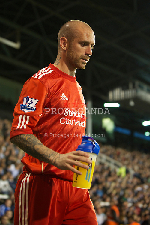 LONDON, ENGLAND - Monday, May 9, 2011: Liverpool's Raul Meireles limps off injured against Fulham during the Premiership match at Craven Cottage. (Photo by David Rawcliffe/Propaganda)