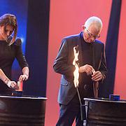 NLD/Aalsmeer/20151120 - 1e show Mindmasters Live 2015, zwangere Sabia Boulahrouz - Engizek en boer Geert