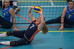 14-02-2016 NED: Nederland - Oekraine, Houten<br /> De Nederlandse paravolleybalsters speelde een vriendschappelijke wedstrijd tegen Europees kampioen Oekraïne. De equipe van bondscoach Pim Scherpenzeel bereidt zich tegen Oekraïne voor op het Paralympisch kwalificatietoernooi in China, dat in maart wordt gespeeld / Sanne Bakker #7 of Nederland