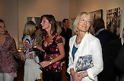 Alex Douglas-Home and Sandra Howard. The Sixties  Set, an exhibition of photos by Robin Douglas-Home. the Air Gallery, Dover St. London. 28 June 2005. ONE TIME USE ONLY - DO NOT ARCHIVE  © Copyright Photograph by Dafydd Jones 66 Stockwell Park Rd. London SW9 0DA Tel 020 7733 0108 www.dafjones.com