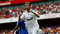 Photo: Richard Lane/Richard Lane Photography. SV Hamburg v Real Madrid. Emirates Cup. 02/08/2008. Real's Ruud Van Nistelrooy celebrates his goal.