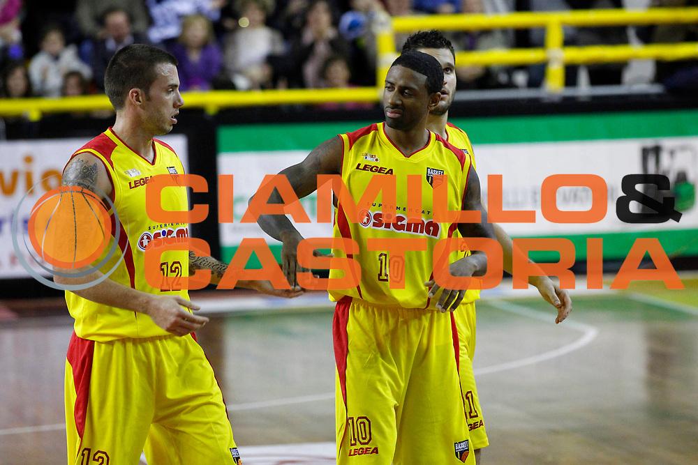 DESCRIZIONE : Barcellona Pozzo di Gotto Campionato Lega Basket A2 2012-13 Sigma Basket Barcellona Upea Orlandina Capo dOrlando <br /> GIOCATORE : Ryan Bucci Troy Bell<br /> SQUADRA : Sigma Basket Barcellona <br /> EVENTO : Campionato Lega Basket A2 2012-2013<br /> GARA : Sigma Basket Barcellona Upea Orlandina Capo dOrlando<br /> DATA : 28/12/2012<br /> CATEGORIA : Ritratto Delusione Esultanza<br /> SPORT : Pallacanestro <br /> AUTORE : Agenzia Ciamillo-Castoria/G.Pappalardo<br /> Galleria : Lega Basket A2 2012-2013 <br /> Fotonotizia : Barcellona Pozzo di Gotto Campionato Lega Basket A2 2012-13 Sigma Basket Barcellona Upea Orlandina Capo dOrlando<br /> Predefinita :