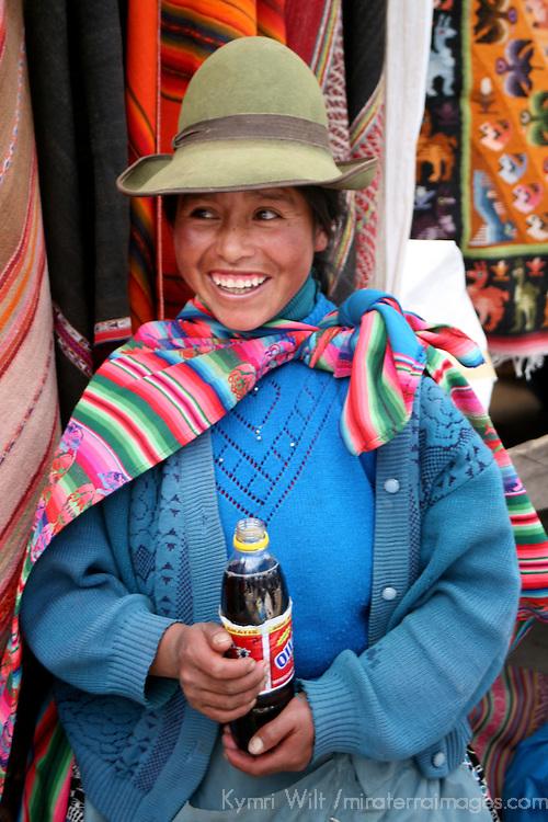 Americas, South America, Peru, Pisac. A coke and a smile, Peruvian style.