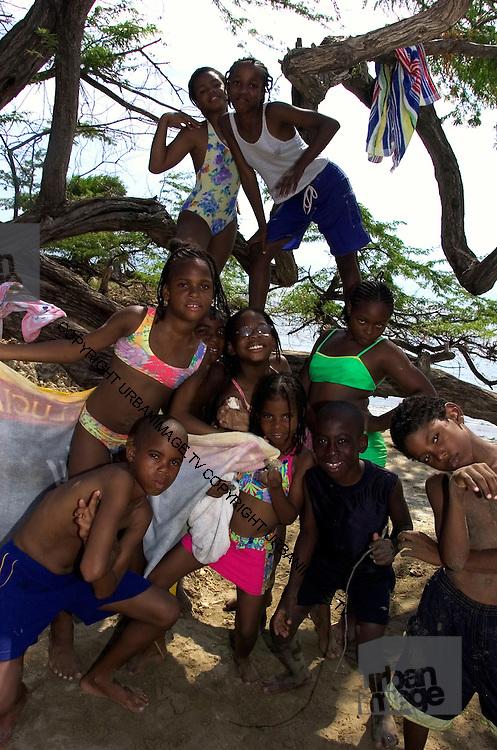 Jakes Hotel - Local children on Teasure Beach - Jamaica
